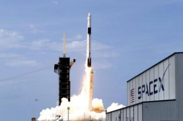 A NASA és Elon Musk együtt dolgozik a következő Holdra szálláson