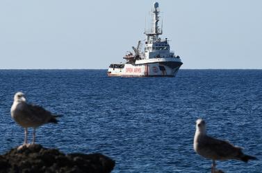 Illegális bevándorlás - Spanyolország engedélyezi az Open Arms kikötését a partjainál