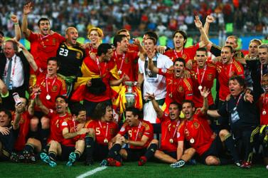 Eb-2008: A spanyolok egyeduralmának kezdete, Čech bakija és a török csoda