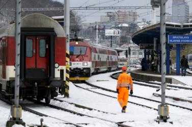 VIGYÁZZ, NEHOGY HOPPON MARADJ! – Nem mindenki fér majd fel a vonatokra meg a buszokra a karácsonyi csúcs idején