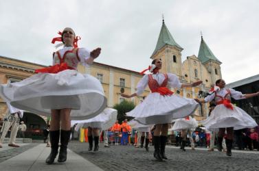 A kulturális minisztérium 1,5 millió euróval támogatja a népművészetet