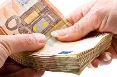 Ezer euró kenőpénzt kért a földalap munkatársa, nyolc évet is kaphat