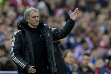 BUNKÓSÁG: Mourinho fizethet, mert beszólt a bírónak