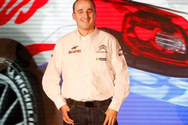 Kubica a Mercedesnél járt