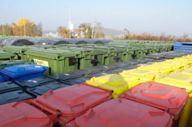 A parlament elfogadta a hulladéktörvény módosítását