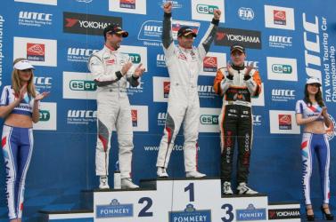 WTCC: Sebastien Loeb győzött, Michelisz harmadik a Slovakiaringen!