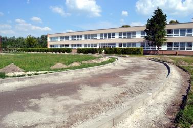 Iskolánként kb. 100 ezer euróból újítják fel a sportpályákat Dunaszerdahelyen