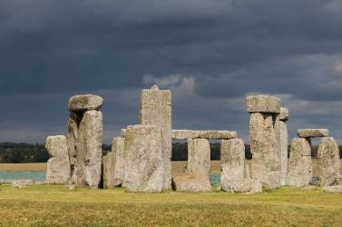 Ősi tárnák óriás körét fedezték fel régészek Stonehenge közelében