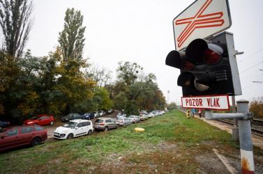 Új parkolót építenek a vasútállomáson Pozsonyivánkán
