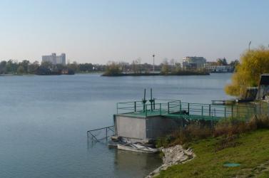 Rengeteg hulladékot rejt a szenci tó mélye (is)