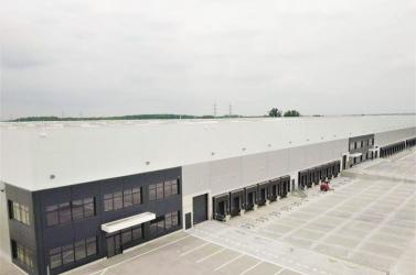 Több száz munkahelyet teremt a legnagyobb lengyel ruhagyártó Szereden!