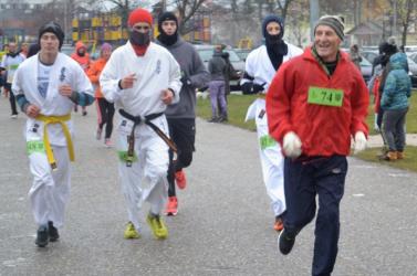 Dunaszerdahelyen 274-en búcsúztatták futással, kocogással a leköszönő esztendőt