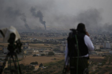Találat ért több kőolajfinomítót Szíriában, halálos áldozatok is vannak