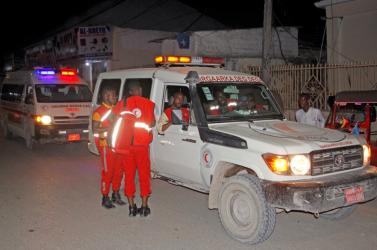 Öngyilkos merénylet egy forgalmas szomáliai étteremben, legalább 7 halott