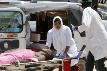 Terroristák tucatnyi embert meggyilkoltak egy szomáliai szállodában