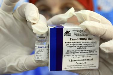 Csehország csak az EU jóváhagyása után fogja használni az orosz vakcinát