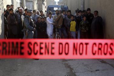 Több hívőt lemészároltak egy mecset előtt