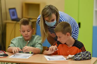 Az oktatási államtitkár kifejtette, mi kell ahhoz, hogy a tanár és a diák egyaránt jól érezze magát az osztályteremben