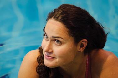 Férjhez ment a szexi magyar úszónő