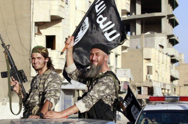 Iszlám Állam - A szíriai kurd milícia szerint küszöbön áll a dzsihadisták veresége Rakkában