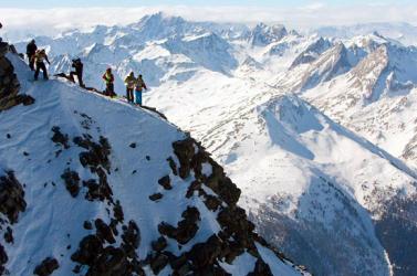 Hat síelő vesztette életét a hegyekben
