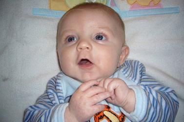 Nem gond a csecsemőknek a kétnyelvűség
