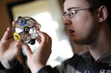 Bemutatták Rubik Ernő új játékát