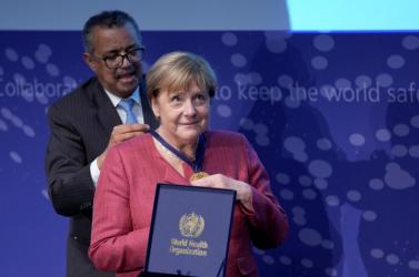 Nem váltanák le a WHO elnökét
