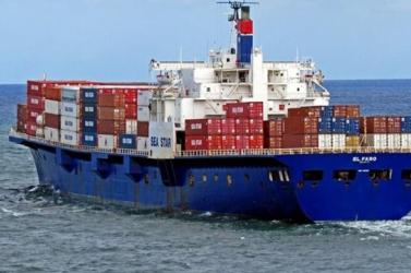 Nagy-Britanniába tartó migránsokat találtak egy teherhajón a holland partoknál