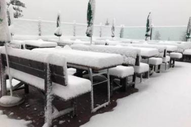 HAHÓ, az megvan, hogy beköszöntött a tél!? Ausztriában leesett az első hó!