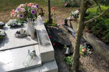 Szinte az egész temetőt meggyalázták a Csilizpatashoz tartozó Miléniumon