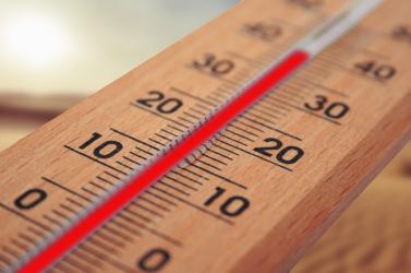 IDŐJÁRÁS: A déli és nyugati járásokban pénteken is hőségriasztás lesz érvényben