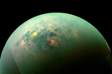 Több mint három kilométer magas a Titán hegyvonulata