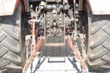 BALESET: Az útra akart felhajtani a pótkocsit húzó traktor, mikor megtörtént a baj