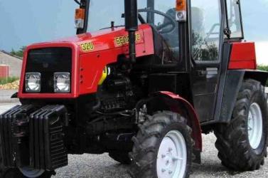 Traktor hajtott rá egy működő aknára az Érsekújvári járásban, amely csaknem felrobbant