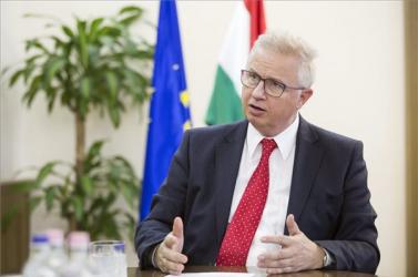 EU-tisztújítás - Az EP jogi bizottsága összeférhetetlenséget állapított meg a magyar biztosjelölt kinevezésével összefüggésben