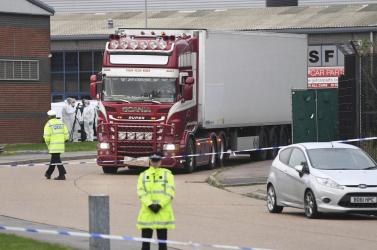 A rendőrség szerint vietnami az a 39 ember, aki meghalt a bolgár kamionban