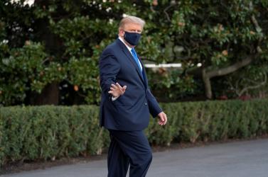 Trumpot Remdesivirrel kezelik, és már twitterezik