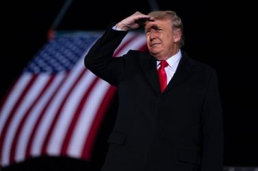 Donald Trump visszatért a Twitterre, aFehér Házelítéltea Capitolium ostromát