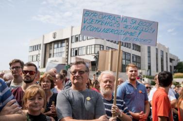 Borsot tört Kiska és az akadémikusok orra alá a parlament