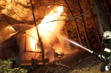 Porig égett egy Zólyomhoz közeli víkendház, 11 embernek kellett kimenekülnie