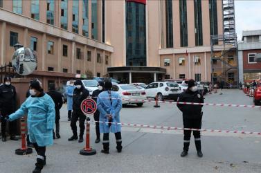 Nyolc Covid-beteg halt meg, miután tűz ütött ki egy török kórház intenzív osztályán