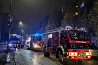 Tűz ütött ki egy társasházban Rajkán, evakuálták!