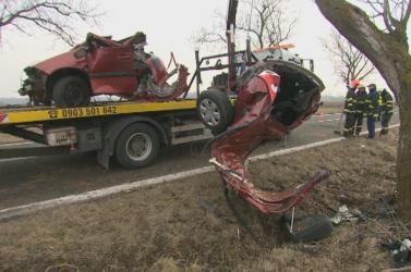 BORZALOM: Nem voltak bekötve a Renault utasai, esélyük sem volt a túlélésre