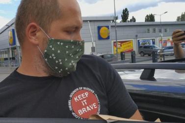 Előzetesbe került az újságírókat átvilágító rendőrtiszt