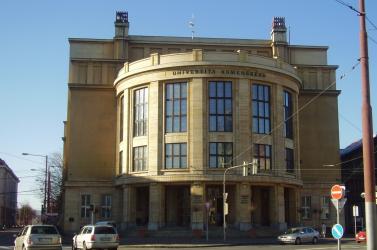 A Komenský Egyetem Bölcsészkara támogatja a sztrájkoló tanárokat