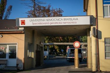 A pozsonyi Egyetemi Kórház 279 dolgozója van karanténban