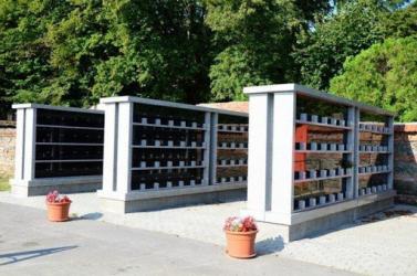 Kolumbáriumot építenek a vágsellyei temetőben