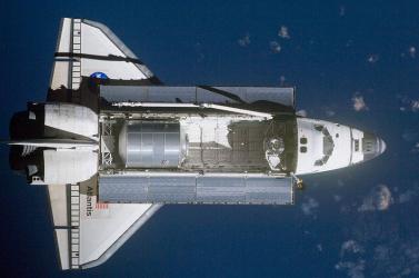 Fellőtte magát egy fickó az űrbe, hogy bizonyítékot keressen a Föld laposságára!