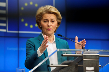 Ursula von der Leyen Pozsonyba látogat, hogy jóváhagyja a helyreállítási tervet